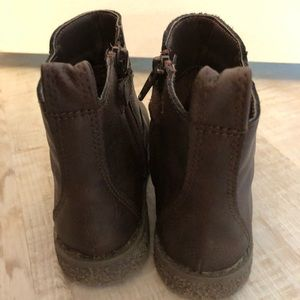 GAP Shoes - Gap toddler Chelsea boots